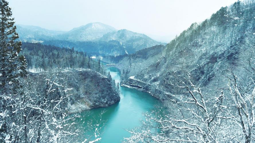 福島県 白銀の世界を走る 只見線