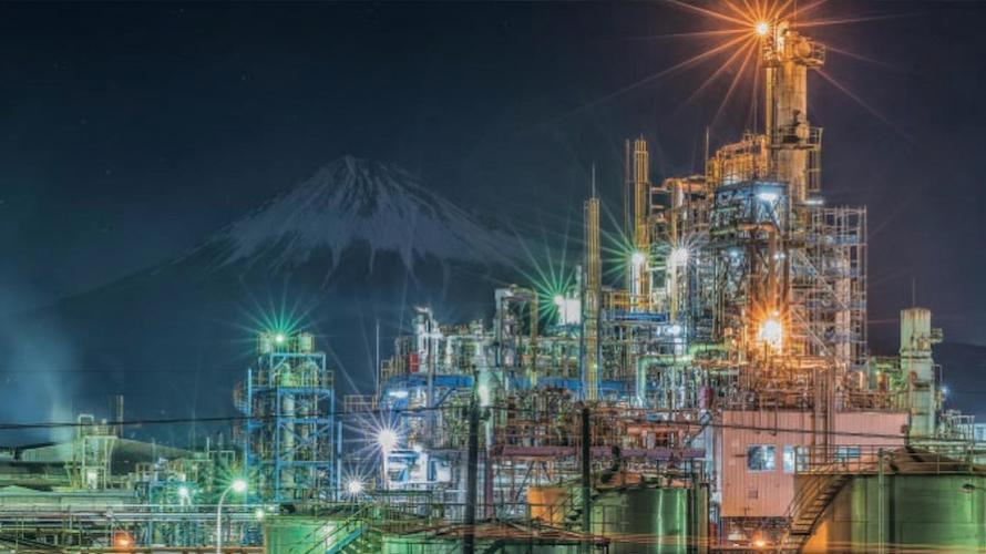 科幻未來旅!跟著日本攝影師的鏡頭  欣賞越來越大勢的工廠夜景