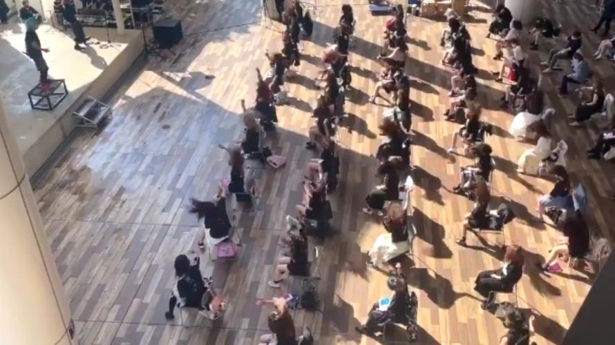 코로나가 탄생시킨 일본의 '기묘한' 라이브 공연