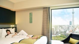 窗外有浅草寺还有晴空塔 里士满浅草国际酒店