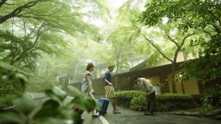鮮為外國人知的日本著名溫泉旅館 -在山水閣享受完美私密空間