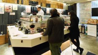 일본인들은 왜 '서서' 술, 밥을 먹을까? - 일본의 이색 식문화