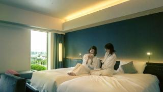 东京住宿选择超多种!质感青年旅社 VS 高级饭店 !你要选哪个! ?