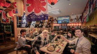 Places to Eat in Kabukicho Shinjuku | Japanese Wagyu Beef & Japanese Street Food Themed...