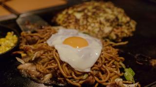 오사카에서 오코노미야키 전문점을 찾고있다면? _츠루하시 후케츠(鶴橋風月)