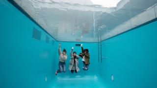 인스타 사진스폿! 스위밍 풀이 있는 가나자와 '21세기 미술관(21世紀美術館)'