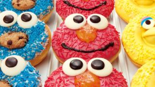 期間限定!芝麻街系列甜甜圈  你忍心把艾蒙的臉咬一半嗎?