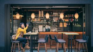 大阪住宿口袋名單 IMANO OSAKA SHINSAIBASHI HOSTEL:背上背包,入住心齋橋時尚咖啡館