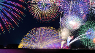 4 Japanese Fireworks Shows for Beach Lovers