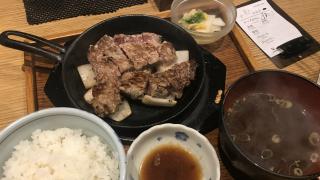 후쿠오카 여행에서 가성비 맛집을 찾고있다면! 돼지스테이크정식으로 유명한 곳  '豚ステーキ十一(부타스테키토이치)'