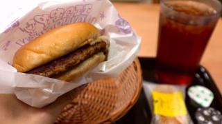 大俠愛吃摩斯漢堡!JKS 特派員試吃報告② 多比奇裏吉士堡