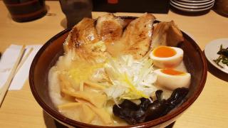 여러 종류의 라멘을 맛볼 수 있는 오다이바 맛집! 라멘 국기관