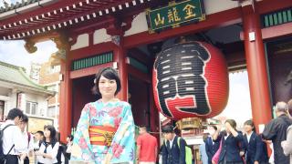 訪日外国人も多く訪れる東京下町の観光名所:浅草寺