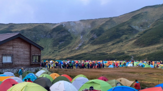 Japanese Campers Crowd a Tateyama Campsite, Trying to Escape the Crowds and Coronavirus...